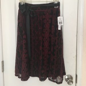 Joe B black and red lace midi skirt w/ ribbon sz s
